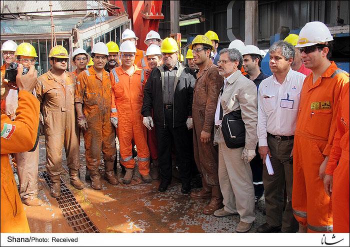 رستم قاسمی: وضع اقتصادی کشور فاجعه است/ قراردادهای جدید نفتی را حتی قبل انقلاب و بعد مصدق هم نداشتیم/ ناگفته های فروش نفت