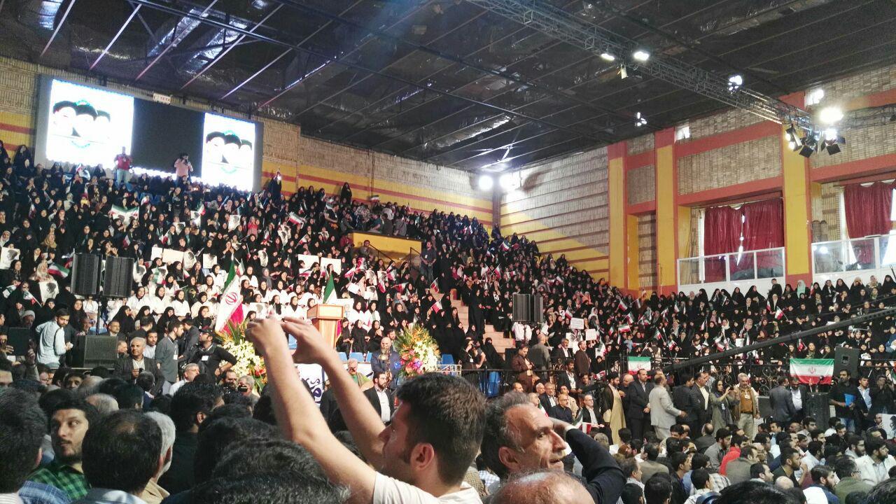 طوفان جوانان انقلابی تهران را درنوردید/پخش زنده از اینستاگرام رجانیوز