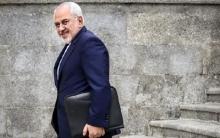 در مصاحبه انتخاباتی آقای ظریف مدعی است که کلمه ساسپند (تعلیق) مربوط به یک پاورقی!!!! است که روز آخر به برجام اضافه شده است. (احتمالا منظورشان غیرمهم بودن این مساله است).