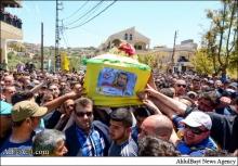 پیکر یکی از شهدای حزب الله در نبرد قلمون، در روستای «عیناثا» در جنوب لبنان تشییع شد.