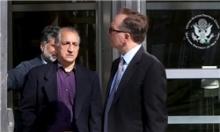 یکی از ایرانیان مقیم آمریکا که به دفتر نمایندگی کشورش در سازمان ملل مشاوره میداده، 3 هفته است که در بازداشت به سر میبرد و حالا باید به اتهامات پولشویی و دور زدن تحریمهای ایران پاسخ دهد.