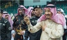 رسانههای مصری در واکنش به مشارکت پادشاه عربستان در رقص سنتی العرضه در قطر اعلام کردند این اقدام دهنکجی به مصر بود.