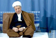 حجت الاسلام هاشمی ساعاتی قبل به دلیل عارضه قلبی در 82 سالگی درگذشت.