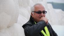 علی معلم تهیهکننده سینما و مدیر مسئول مجله «دنیای تصویر» در اثر حمله قلبی درگذشت