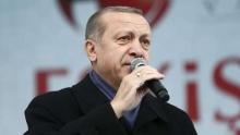رجب طیب اردوغان رئیس جمهوری ترکیه با طرح سوالی از اروپایی ها گفت: اگر در مبارزه با مظاهر دینی در کشور خود صادق هستید، چرا کلاه یهودی ها(گیپا) را ممنوع نمی کنید؟