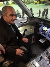 لِوان جاگاریان سفیر روسیه در ایران در نمایش یک فروند سوخو سوپرجت ۱۰۰ روسی در فرودگاه مهرآباد تهران شرکت کرد.