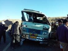 واژگونی یک دستگاه مینی بوس در شهرستان شوش باعث مصدومیت ۱۲ نفر شد.