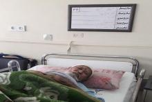 پیرمرد تبعه افغانستان که مدتی پیش تحت عمل جراحی قرار گرفت، علیرغم مساعدتهای بیمارستان همچنان برای پرداخت بخشی از هزینههای درمان نیازمند کمک خیّرین است.