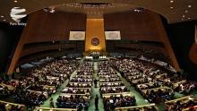 نماینده دائم امارات در سازمان ملل با طرح ادعایی بیاساس گفت که ایران از حوثیها حمایت تسلیحاتی میکند و سازمان ملل باید در این رابطه قطعنامهای صادر کند.