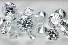 محققان موفق به ساخت الماسی در آزمایشگاه شده اند که از نمونه طبیعی خالص تر و ۲۰درصد ارزانتر است.