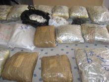 رئیس پلیس مبارزه با مواد مخدر تهران بزرگ گفت: در ۴۵ روز ابتدای سال ۱۲۰ نفر قاچاقچی که در پوشش ۱۲ باند به قاچاق مواد مخدر مبادرت میورزیدند شناسایی و دستگیر شدند.