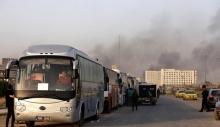 منابع رسانه ای از خروج ۱۲۲ اتوبوس حاملِ صدها عنصر تکفیری و خانواده هایشان از حومه استان های حمص و حماه و عزیمت آنها به سمت حومه ادلب خبر می دهند.