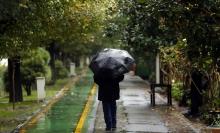 سازمان هواشناسی با صدور اخطاریه اعلام کرد: با توجه به شدت بارشها به صورت رگبار باران، رعدوبرق و وزش باد با احتمال تگرگ، طی سه روز آینده آبگرفتگی معابر و سیلابی شدن مسیلها پیش بینی میشود.