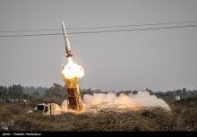 تصاویری از شلیک موشک سامانه پدافند هوایی صیاد-۲ منتشر شد.