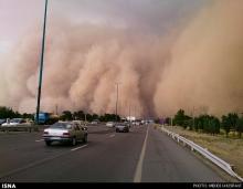 کارشناس پیشبینی هواشناسی سیستان و بلوچستان گفت: صبح امروز سرعت طوفان در زابل به 101 کیلومتر در ساعت رسید و شعاع دید را در این شهرستان تا 400 متر کاهش داد.