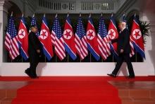 دونالد ترامپ رئیس جمهوری آمریکا وضعیت اضطرار ملی درباره کره شمالی را تمدید کرد تا تحریمها علیه پیونگیانگ یک سال دیگر ادامه داشته باشد.