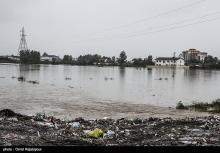 بارش شدید باران و سیلاب سبب مسدودی دسترسی به ۱۴ روستای تنکابن شده است.