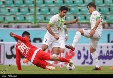 ذوبآهن اصفهان در یکی از حساسترین بازیهای هفته دوازدهم لیگ برتر باید به مصاف تراکتورسازی تبریز برود.