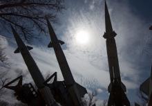 جنگندههای رژیم صهیونیستی بار دیگر در سایه حمایتهای همه جانبه آمریکا از این رژیم و با بیاعتنایی به قوانین بین المللی و نقض آشکار حاکمیت ملی سوریه به خاک این کشور حمله کردند،اما پدافند هوایی سوریه توانست با این حملات مقابله کند.