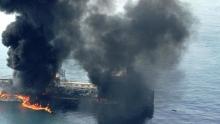۱۶ ساعت پس از سانسور شدید این خبر از سوی مدعیان غربی دفاع از آزادی گردش اطلاعات، وزارت خارجه امارات این خبر را تایید کرد اما به سبک خودش! امارات از «اقدامات خرابکارانه علیه چهار کشتی تجاری» در این بندر خبر داد.