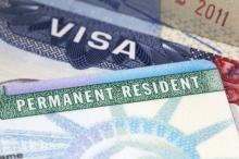 لازم است در راستای مطالبه عمومی، طرح اتاق شیشهای و شفافیت اسامی مسئولانی که فرزند یا فرزندانشان برای تحصیل یا اقامت به خارج از کشور رفتهاند، روشن و مشخص شود.