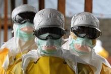 هنوز دیر زمانی از بازدید  ماموران سازمان اطلاعات مرکزی آمریکا و سازمان اطلاعات فرانسه در پوشش «بازرسان» آژانس انرژی اتمی، از سایتهای نظامی مثل پارچین نگذشته است که پزشکان بدون مرز در شرایط بحرانی اروپا برای کمک به ایران آمدند.