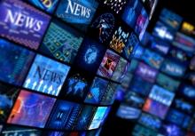 شایعه پراکنی های شبکه های خارجنشین نیز مانند همیشه سوهان روح مردم شده بود. اما چیزی که بیش از هر چیزی مردم را کلافه کرده بود، نبود مدیریت رسانه از سوی مسئولین امر بود.