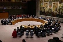 به نظر می رسد آمریکا برای تصویب قطعنامه معروف ضد ایرانی اش و تمدید تحریم های تسلیحاتی علیه کشورمان ، به هر کاری دست می زند و به نوعی به هر خفتی راضی شده است.