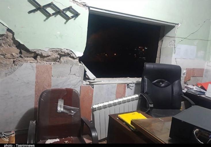برخی منازل در شهر سیسخت تخریب شدهاند و بهگفته برخی اهالی جاده روستای کوخدان شهرستان دنا مسدود شده است. شهروندان یاسوجی هماکنون در بیرون از منازل و در هوای سرد و بارانی بهسر میبرند.