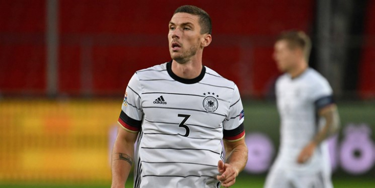 مدافع و هافبک تیم ملی فوتبال آلمان از رفتار ۱۲ باشگاه انگلیسی، ایتالیایی و اسپانیایی برای تشکیل سوپرلیگ انتقاد تند و تیزی کرد.