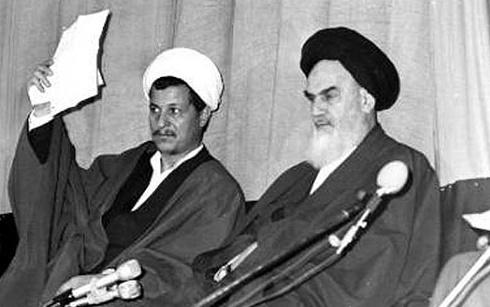 محسن هاشمی در حالی به وصیتنامه امام ارجاع میدهد که امام در وصیت خود دولت آمریکا را تروریست بالذات معرفی کرده و مخالفت جدی و قاطعانه خود با آمریکا را به تصویر کشیده است.