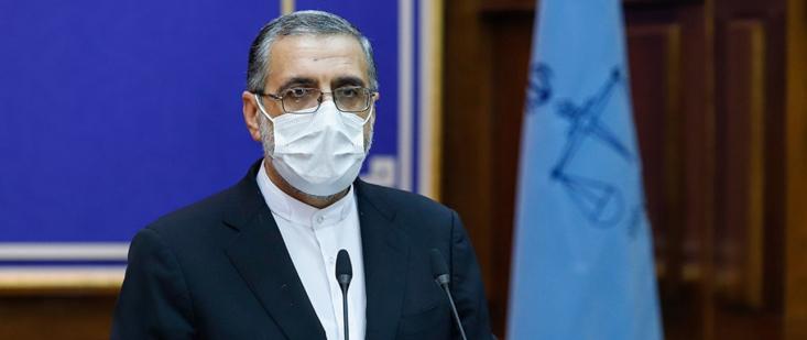 اسماعیلی گفت: از ناحیه دولت شکایتهای متعددی علیه خبرنگاران، خبرگزاریها، رسانهها، نمایندگان مجلس، شخصیتهای حقوقی و حقیقی در دادسرای عمومی و انقلاب تهران مطرح شده که حدود ۲۰۰ شکایت داشتند
