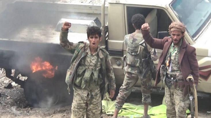 رزمندگان یمنی که با پیروزی های اخیر روحیه گرفته اند و در موضع قدرت هستند و دست برتر را در میدان دارند با فعال کردن جبهه جدید قصد دارند عناصر ائتلاف سعودی را در چند محور درگیر و مشغول کنند و تمرکز آنان را به هم بزنند تا در میدان نبرد ضعیف تر شوند.