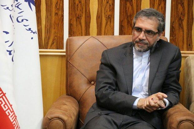 عباس گلرو با بیان اینکه برجام با آبنبات چوبی و اقدامات نمایشی احیا نمیشود، گفت: راستیآزمایی اقدامات آمریکا در رفع تحریمها بر روی کاغذ انجام نمیشود.