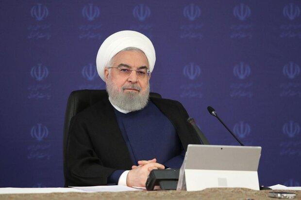 حسن روحانی گفت: در دهه ۹۰ دوبار در دنیای سیاست و دیپلماسی به میدان آمدیم و هر دو بار دشمنانمان را شکست داده ایم پس اگر بگوییم این دهه، دهه پیروزی نجات ملی است اشتباه نگفته ایم.