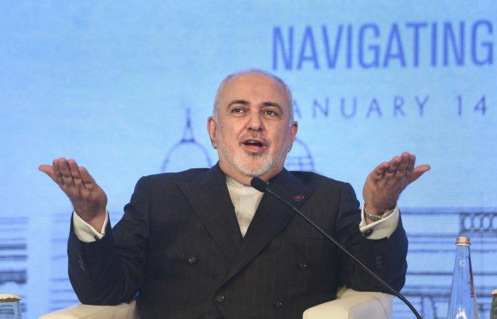 اشاره ظریف به صحبتهای حقیرانه وی در دانشگاه تهران است که مدعی شده بود آمریکا میتواند با یک بمب سیستم دفاعی ایران را از کار بیاندازد!