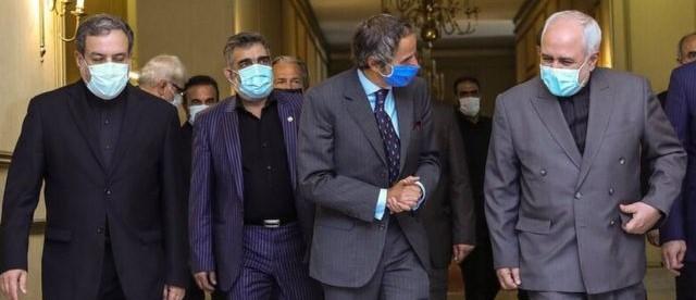 گروسی در سفر پیش رو احتمالا طرحی همراه خود دارد که در آن اجرای صوری قانون اقدام راهبردی را از سازمان انرژی اتمی و وزارت خارجه مطالبه کند.