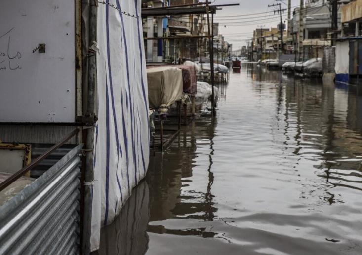 در پی بارش باران در روزهای اخیر، شهرهای استان خوزستان، به ویژه اهواز دچار آبگرفتگی شدند. اهواز، کارون، آبادان، خرمشهر، شادگان، رامهرمز، رامشیر، ماهشهر و ایذه شهرهایی هستند که شاهد آبگرفتگی شدید بودند.