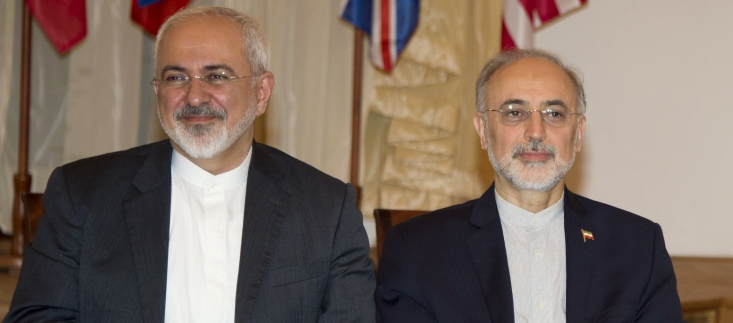 ظریف در حالی وانمود میکند که «مذاکرات بر اساس دستور رهبرانقلاب» بوده که سخنان رهبرانقلاب و همچنین علی اکبر صالحی به وضوح برخلاف این مساله است.