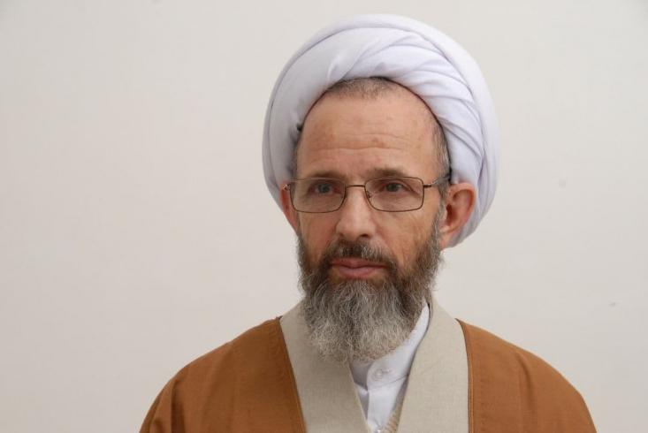 جمعی از حوزویان قم در بیانیهای، از آیتالله رجبی دعوت کردند تا در انتخابات میان دورهای خبرگان رهبری شرکت کند.