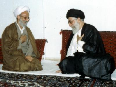 بدون تردید در طول مدت رهبری با برکت حضرت آیت الله خامنهای هیچ شخصیتی همچون علامه محمد تقی مصباح یزدی مورد تمجید و تایید ایشان قرار نگرفته است.