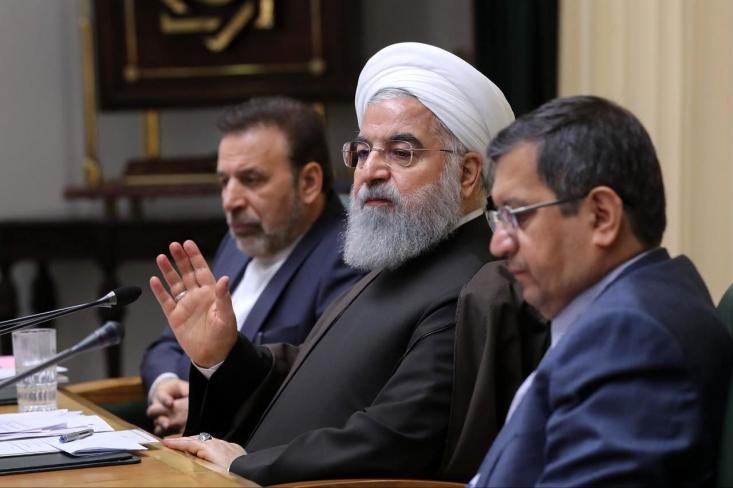 درخصوص نرخ تورم بررسیها نشان میدهد دولت روحانی در دوره ریاست عبدالناصر همتی بر بانک مرکزی با نرخ تورم سالانه بالای ۴۰ درصد و تورم نقطهای بالای ۶۰ درصدی بهجز سال ۱۳۷۴، رکورددار تورم در شش دهه اخیر بوده است.