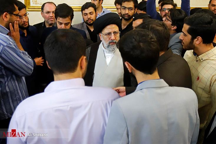 در اندیشه اسلامی، عدالت، نه عدالت مارکسیستی و اقتصاد مقاومتی، نه اقتصاد ریاضتی است. در اندیشه رهبران انقلاب اسلامی، كلمه «سرمايه» و «سرمايهدار» به هيچ وجه مذموم نيست.
