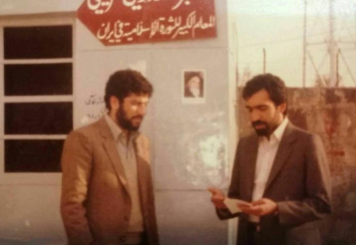 رئیسی میگوید: همیشه شیفته سخنرانیها و شخصیت انقلابی حضرت آقا بودیم. به دلیل علاقهای که به ایشان داشتم، قبل از پیروزی انقلاب یک سفر به ایرانشهر رفتیم تا ایشان را ملاقات کنیم.