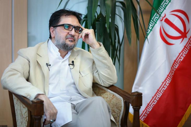 استاد دانشگاه تهران با قاطعیت معتقد است انتخابات ریاستجمهوری ۱۴۰۰ یکی از حماسیترین انتخابات بعد از انقلاب بوده است. او میگوید هیچ انقلابی در دنیا مانند انقلاب اسلامی نتوانسته خود را از طریق انتخابات جلو برود.