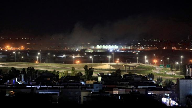 بامداد امروز پایگاه نظامی ارتش تروریسیتی آمریکا در فرودگاه اربیل(مرکز اقلیم کردستان عراق) هدف حملات راکتی و پهپادی قرار گرفت.
