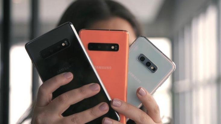با اینکه اکثر گوشیهای سامسونگ مجهز به خیلی از فناوریهای روز هستند، ولی با پیشرفت فناوری، مجبور به خرید گوشی سامسونگ به روزتری خواهید شد اما چه زمانی باید به فکر تعویض گوشی سامسونگ خود باشید؟