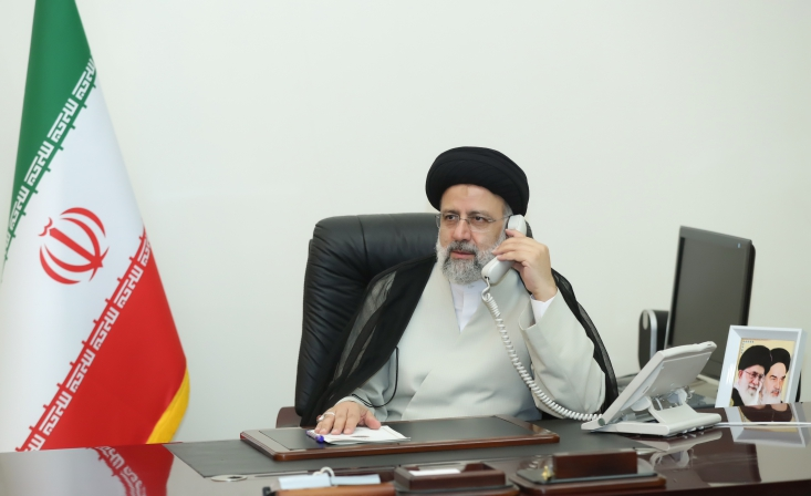 آیت الله رئیسی با تاکید برضرورت حل مشکل یمن و توقف جنگ در این کشور،گفت: همه باید بدنبال توقف جنگ در یمن باشند و به حق مردم این کشور برای تعیین سرنوشت خود احترام بگذارند.