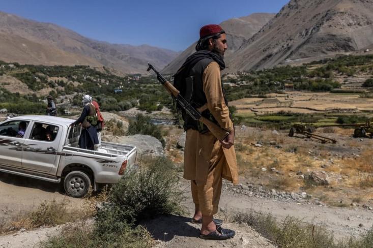 سخنگوی وزارت کشور طالبان گفته این گروه به هیچکس اجازه نمیدهد پس از اعلام عفو، کسی را شکنجه کند و در صورت بروز هرگونه حادثه، طالبان سعی میکند در مورد آن تحقیق کند.