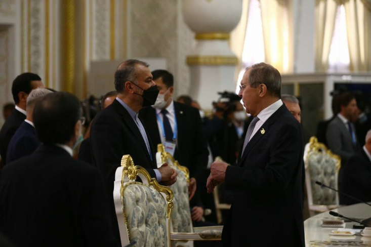 وزیر خارجه روسیه طی نشست خبری با همتای ایرانی خود در مسکو با تاکید بر لزوم پایبند بودن همه طرفهای توافق هستهای ایران، گفت که در حال تلاش برای بازگشت به برجام هستند.